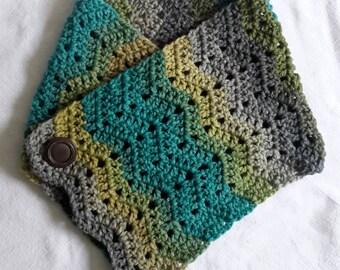 Cowl, Scarf, Neckwarmer, Crochet Cowl, Vintage Button