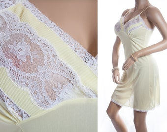 Gorgeous silky soft really sheer rich lemon nylon and delicate ivory white lace and pleat detail 1950's vintage full slip petticoat - S028