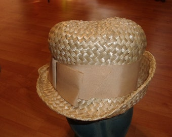 vintage ladies hat ivory colored strawlike ribbon bow rolled brim size 23