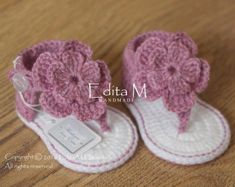 Crochet baby sandals, gladiator sandals, baby booties, baby shoes, 6-9 months, white,  gift for baby, baby shower, flower sandals, slippers