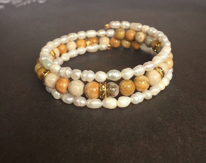 Beaded Triple Wrap with Flower Stone and Pearls, Beaded Jewelry, Memory wire bracelet, pearl jewelry