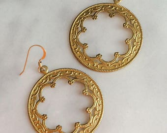 Large Gold Hoop Scalloped Earrings