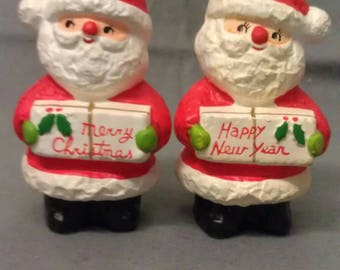 H H Santa Claus Merry Christmas Happy New Year Salt and Pepper Shaker Set