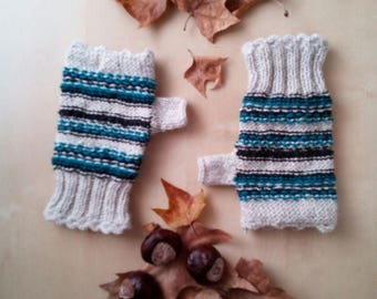 Hand made wool gloves-finger-free knitted gloves tricot-sleeves wool knobs girl woman