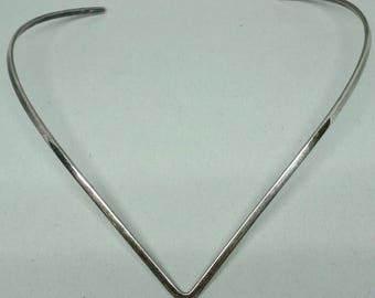 Vintage Mexico 925 TC 106 chocker V shape necklace from 1980's