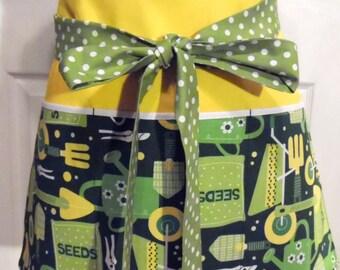 Green Gardening Apron - With Yellow - Gardening Apron - 3 Pockets