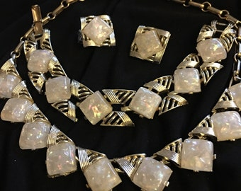 Stunning Cora Lucite confetti necklace bracelet and clip earrings set