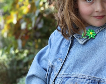 Flower Green and  Yellow Enamel Pin 1960s