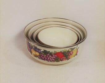 Vintage Enamelware Vegetable Pattern Nesting Mixing Bowls, Set of 4