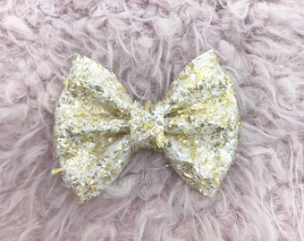 Pastel yellow ice crystal brooke bow