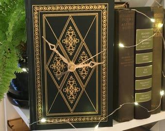 Book Clock, The Adventures of Huckleberry Finn//Mark Twain//Green Clock