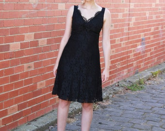 Vintage 1960s Jonathan Logan Lace Dress / Little Black Dress / Scalloped Lace / Babydoll / XS/S