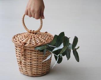 Wicker basket bag, jane birkin basket, cesta de mimbre, panier en osier, panier rond, round basket, Wickeltasche, summer bag.