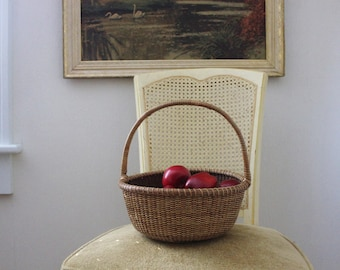 Vintage Round Basket with Handle