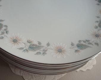 Noritake Wellesley Pattern 6214 Fine China Dinnerware Set
