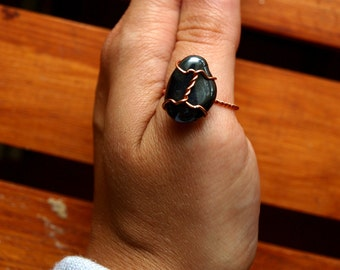 Hematite Ring - US Size 8 - Wirewrapped Jewelry with Sustainable Natural Copper - Ecofriendly, Magic, Fairy, Wedding, Anniversary, Band
