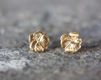 Gold Flower Studs, Flower Studs, Pansy Studs, Gold Pansy Studs, Gold Studs, Flower Earrings, Round Gold Earrings, Nature Studs, Studs