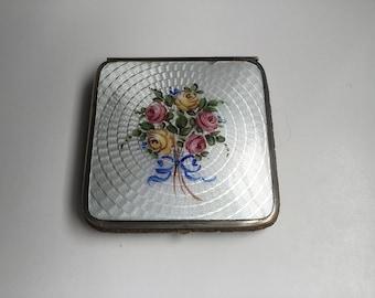 Vintage Floral Guilloche Rouge Compact