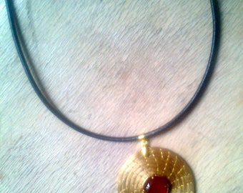Gold Pendant the Brazil plant and carnelian cabochon
