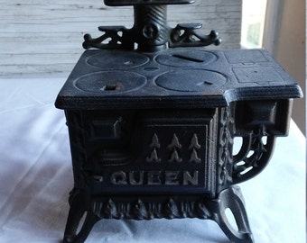 Vintage 1960's Miniature Cast Iron Toy Stove/Salesman's Sample/Bank