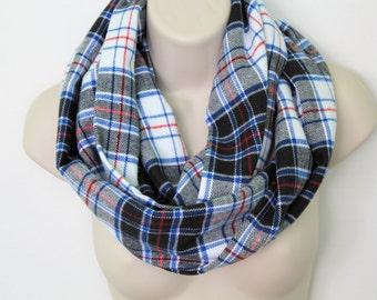 black and grey plaid infinity scarf, flannel Infinity Scarf -Circle Scarf -plaid Loop Scarf, Eternity Scarf, Fall Scarf, Winter Scarf