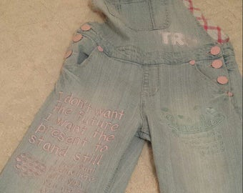 Tralala Rare text embroidered overalls