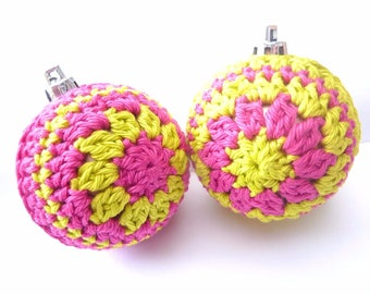 Christmas baubles crocheted - set of 2