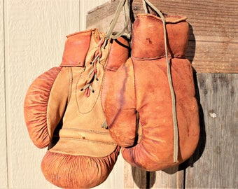 Vintage Lace-Up Pakistan Made Leather Boxing Gloves