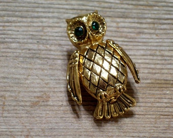 Owl Locket Pin, Vintage Owl Brooch, Solid Perfume Locket Pin, Green Rhinestone Dark Goldtone Metal, Vanda