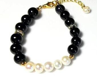 Black White Freshwater Pearl Bracelet Rhinestone Bracelet Gold Beaded Jewelry Black and White Bracelet Prom Bracelet Bridesmaid Bracelet