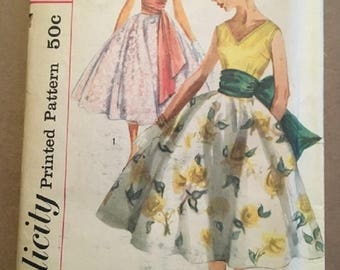 Vintage Simplicity Printed Pattern Size 12 Bust 32 #2006 Blouse Skirt and Sash