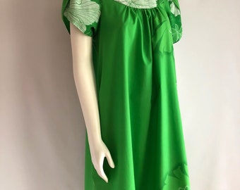 Vintage Women's 80's Hawaiian, Floral Dress, Green by Blue Hawaii (S-M)