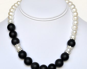 White Pearl Necklace Black Handmade Beaded Jewelry in Silver Beaded Necklace Swarovski Pearls