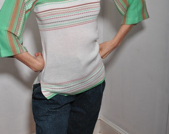 Queen's Way To Fashion small 60s 70s sweater // pastel stripes //