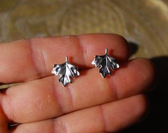 VINTAGE EARRINGS - 1960s Sterling Silver Earrings