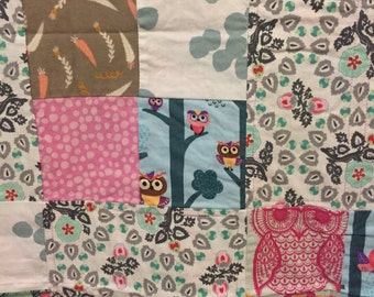 Owls & feathers baby quilt