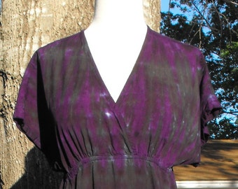 Tie Dye Kimono Sleeve Dress in purple and black