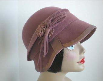 Women's Ladies 1920s style Warm Wool Felt Cloche Hat in Dusty Pink Downton Abbey Winter