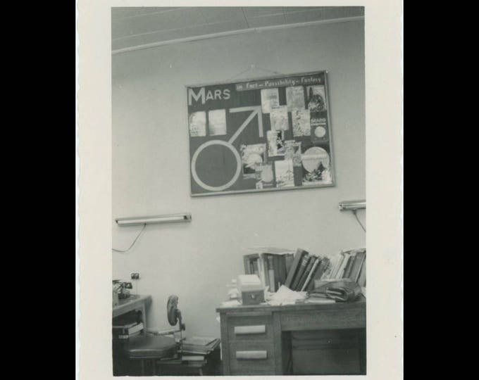 Vintage Snapshot Photo: Mars-In Fact-Possibility-Fantasy, c1950s Classroom Project (74567)