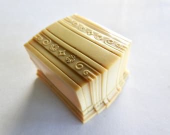 Deco Celluloid Ring Box