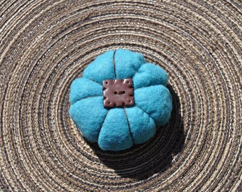 """Fleur Japanese """"blue turquoise with its chocolate tile"""""""