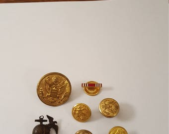 7 Assorted U.S. Military Buttons and Emblems, Americana, World War 2, WW2, WWII
