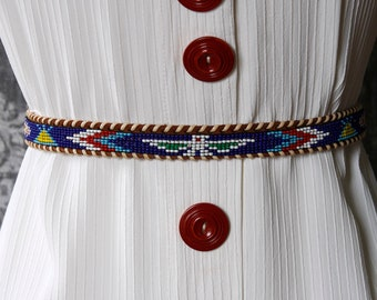 vintage 1970s Indian beaded belt <> 70s thin leather belt with Native American bead design <> southwest leather belt
