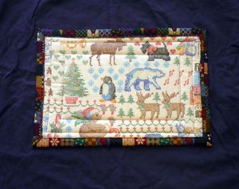 13 x 9 Hot Pad - Christmas Critters