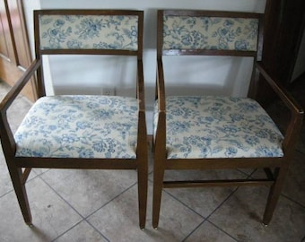 Joerns Furniture Co. Vintage 1964 Chair Set