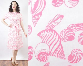 60s Pink Seashell novelty print Tanner of North Carolina belted cotton sundress sheath dress daytime mermaid summer dress size Medium Large