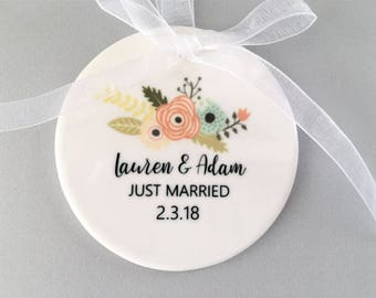Just Married Wedding Ornament, Wedding Ornament, Wedding Ornaments, Wedding Gift, Wedding Gifts, Bridal Shower Gift, Just Married, Bride