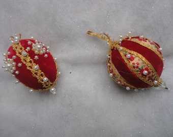 Vintage Pair of Red White Beaded Christmas Ornament, Handmade Christmas Bead Ornament, Beaded Ornament, Handmade Red Christmas Bead Ornament
