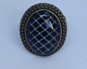 Bronze oval cabochon metal ring
