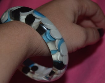 Vintage Black White and Blue Aspirin Pill Dot Confetti Lucite Bangle Bracelet
